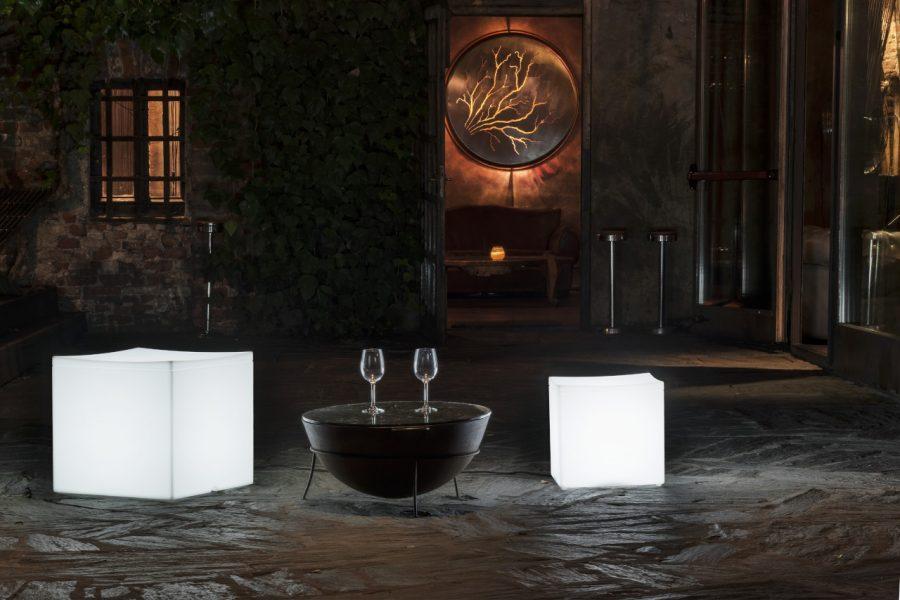 Cubo luminoso Lounge Cube di Serralunga