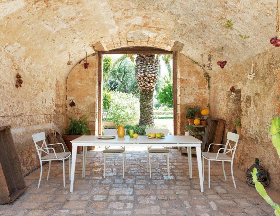 Set pranzo Mogan con sedia e tavolo allungabile di Vermobil