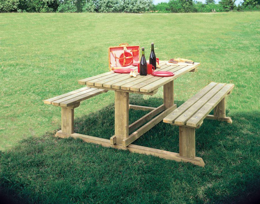 Tavolo con Panche Camping Il Ceppo
