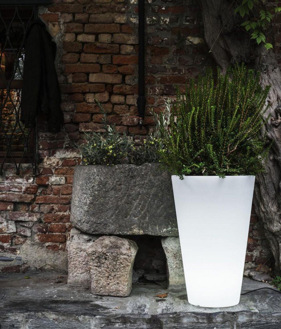 Vaso Liscio Siena con Luce di Serralunga