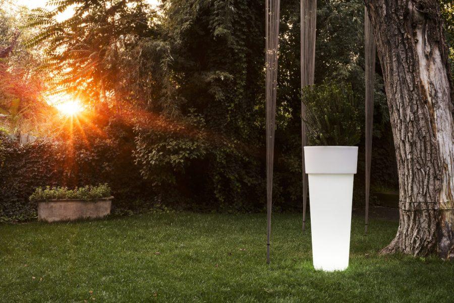 Vaso Marcantonio con luce di Serralunga
